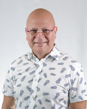 Néstor Vázquez, MD